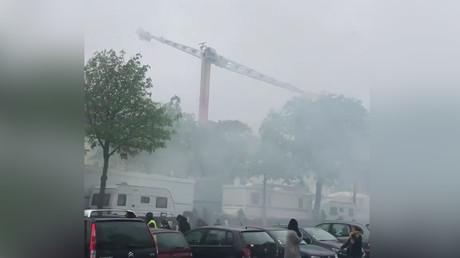 Capture d'écran d'une vidéo témoignant du nuage de lacrymogène qui a recouvert la fête foraine de Nantes, le 6 avril 2019.