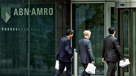 Des employés du siège de la banque ABN Amro à Amsterdam le 19 mai 2009 (image d'illustration).
