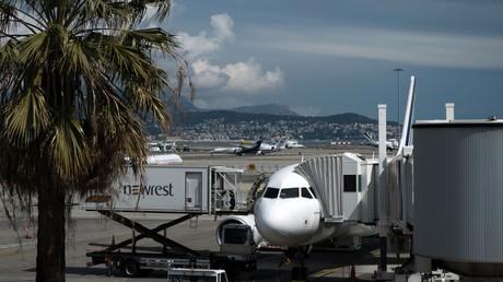 Vue d'un appareil d'Air France sur le tarmac de l'aéroport de Nice le 4 avril 2019.
