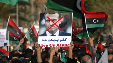 Libye : des gilets jaunes à Tripoli pour dénoncer l'offensive de Haftar et le rôle de la France