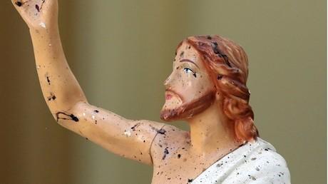 Une statue de Jésus Christ, tachée de sang, dans une église de Negombo, au Sri Lanka, le 22 avril 2019 (image d'illustration).