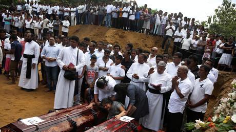 Les familles des victimes des attentats du 21 avril 2019 au Sri Lanka, pleurent leurs morts (image d'illustration).