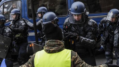 «Suicidez-vous !» aux forces de l'ordre : un Gilet jaune condamné à huit mois de prison avec sursis