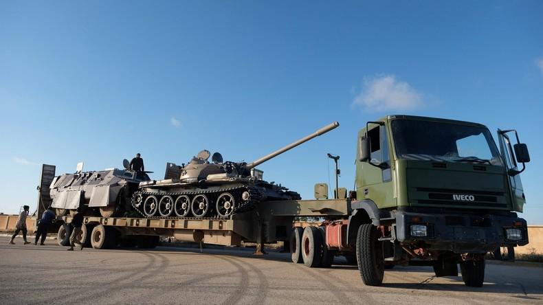 Libye : les forces pro-Haftar disent avoir abattu un avion de l'armée loyale au GNA (IMAGES)