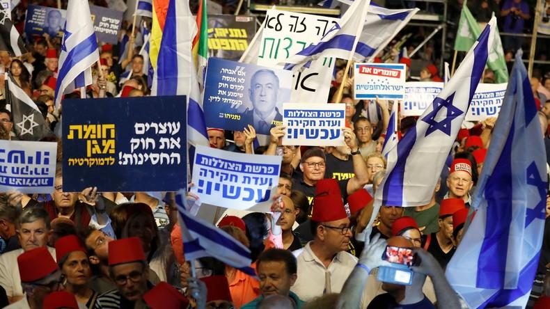 «Onne vous laissera pas être un dictateur»: des milliers d'Israéliens manifestent contre Netanyahou