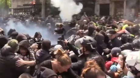 1er mai : premiers heurts avec les forces de l'ordre à Paris (VIDEO)
