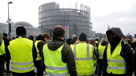 Des Gilets jaunes devant le Parlement européen, à Strasbourg, le 26 janvier (image d'illustration).