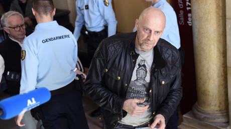 Le controversé Alain Soral au tribunal de Paris pour un de ses procès en 2015.
