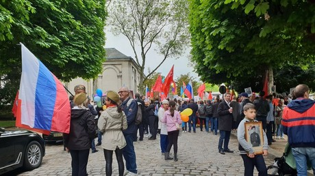 8 mai : à Paris, la Marche des immortels célèbre la victoire contre le nazisme (VIDEOS)