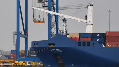 Le cargo saoudien Bahri Yanbu dans le port de Tilbury au Royaume-Uni le 7 mai avant son passage par le port du Havre.