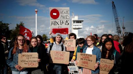 Manifestation pour protester contre le chargement d'armes à bord du Bahri-Yanbu, cargo saoudien opérant au Havre.