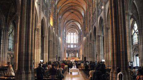 Sept mois de prison pour le sans-papiers pakistanais qui a endommagé la basilique de Saint-Denis