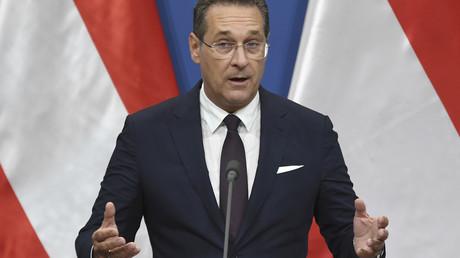 Le vice-chancelier autrichien, Heinz-Christian Strache, durant une conférence de presse donnée lors d'un déplacement à Budapest, le 6 mai 2019, en Hongrie (image d'illustration).
