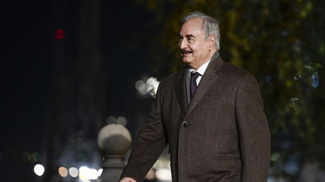 Emmanuel Macron reçoit le maréchal Haftar et constate l'impasse pour une cessation des hostilités
