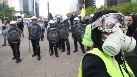 Des Gilets jaunes manifestent à Bruxelles, de nombreuses interpellations (VIDEOS)