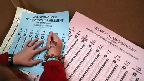 Elections fédérales en Belgique: percée des nationalistes flamands, casse-tête gouvernemental en vue