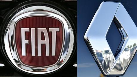 Montage de photographies représentant les logos des marques Fiat et Renault, dont les constructeurs pourraient fusionner, (illustration).
