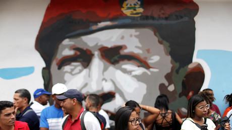 Venezuela : Moscou met en garde contre toute ingérence dans les pourparlers entre Maduro et Guaido
