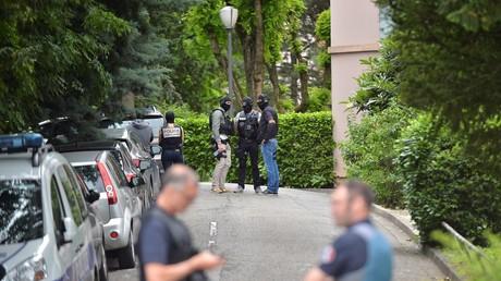 Des policiers devant la résidence «Les Ifs» le 27 mai 2019 à Oullins (image d'illustration).