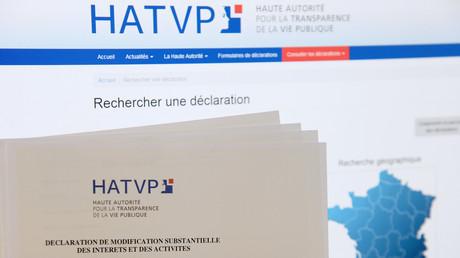 Capture d'écran du site internet de la Haute autorité pour la transparence de la vie politique et de formulaires de déclaration (image d'illustration).