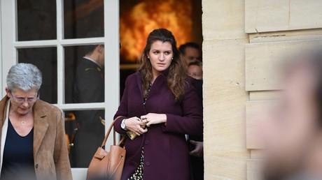 La Secrétaire d'Etat Marlène Schiappa quitte Matignon après un séminaire gouvernemental, le 29 avril 2019.