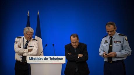 Eric Morvan (DGPN) et le préfet de police de Paris déchu, Michel Delpuech attendent Christophe Castaner pour une conférence de presse à Paris le 7 décembre 2018 (image d'illustration).