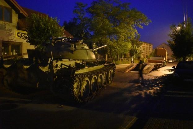 Pologne : en état d'ébriété, il terrorise un village avec un char (IMAGES)