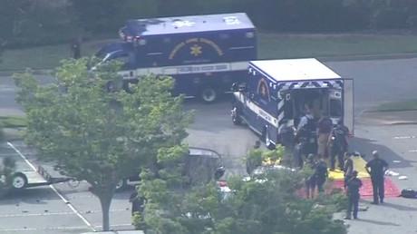 12 morts dans une fusillade dans une station balnéaire en Virginie