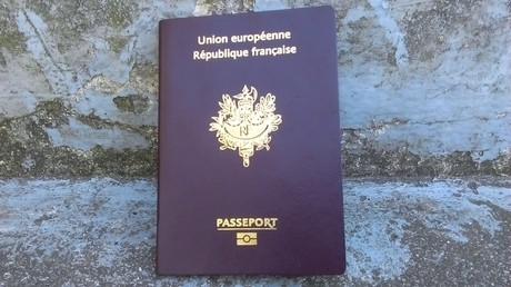 Un passeport français (image d'illustration)
