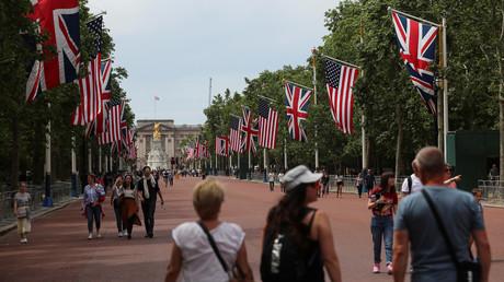 Désistement, invective, consignes politiques : la visite de Trump à Londres pulvérise les protocoles