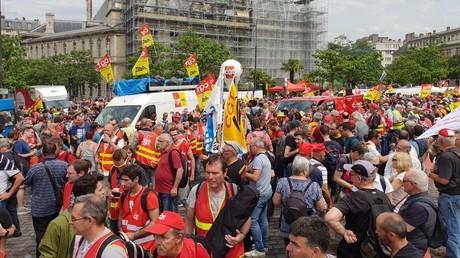 Des cheminots manifestent à Paris le 4 juin 2019.