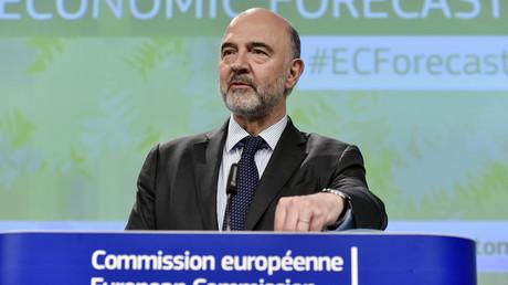 Le commissaire européen aux Affaires économiques Pierre Moscovici recommande l'ouverture d'une procédure contre l'Italie.