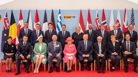 La reine Élisabeth II en compagnie des dirigeants des pays alliés à Portsmouth le 5 juin 2019.