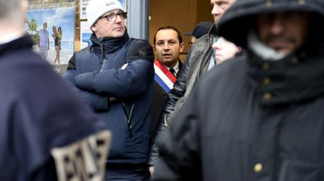 La justice relaxe quatre syndicalistes CGT accusés d'avoir agressé le député RN Sébastien Chenu