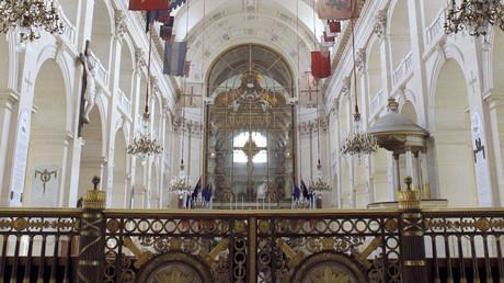 Un «appel à la prière» islamique dans une cathédrale parisienne fait polémique