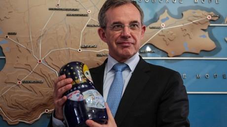 Thierry Mariani, eurodéputé RN, lors d'une visite à Simferopol, en Crimée, le 14 mars 2018 (image d'illustration).