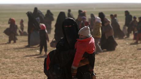 Un djihadiste et ses deux femmes expulsés de Turquie mis en examen en France