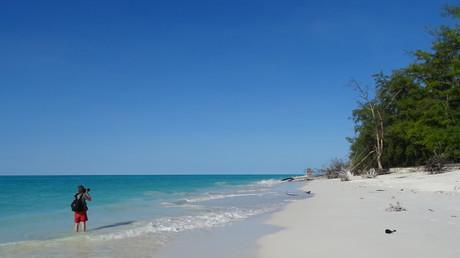 Une plage de l'île Juan de Nova, appartenant aux îles Eparses françaises de l'océan Indien (image d'illustration).