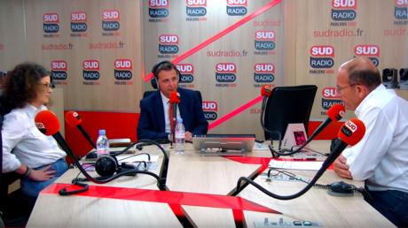 Chambres à gaz : Etienne Chouard exprime ses regrets et quitte Sud Radio
