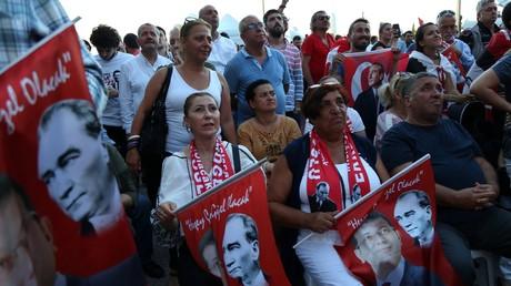 «Un nouveau début pour la Turquie» : l'opposant au parti d'Erdogan réédite sa victoire à Istanbul