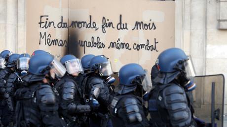 Les gendarmes en opération de maintien de l'ordre lors d'une manifestation des Gilets jaunes à Bordeaux, 16 mars 2019 (image d'illustration).