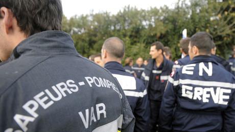 Manifestation de sapeurs-pompiers dans le département du Var en novembre 2009 à Draguignan (image d'illustration).