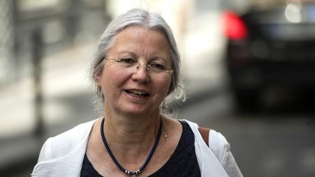Agnès Thill arrive au siège du parti La République en Marche où elle doit être entendue par la commission des litiges du parti après ses propos sur la PMA, le 25 juin 2019 (image d'illustration).