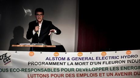 L'ancien ministre français de l'Economie, Arnaud Montebourg, le 2 octobre 2017 à Grenoble (Isère), lors d'une réunion organisée par des employés sur la situation d'Alstom & General Electric Hydro (illustration).