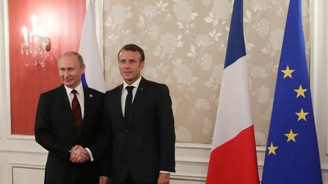 Vladimir Poutine et Emmanuel Macron le 28 juin, en marge du G20 d'Osaka, au Japon (image d'illustration).