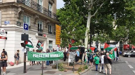 Des pro-palestiniens manifestent contre l'inauguration de la place de Jérusalem à Paris (IMAGES)
