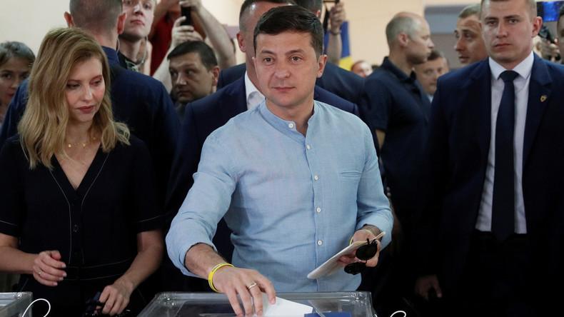 Elections législatives en Ukraine : score record pour le parti du président Volodymyr Zelensky