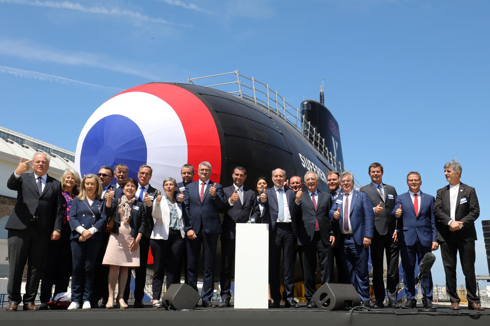 La France inaugure son nouveau sous-marin nucléaire d'attaque à Cherbourg (IMAGES)