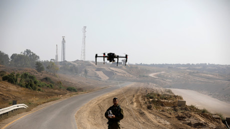Un drone piloté par un soldat israélien, tentant d'intercepter des cerf-volants enflammés à la frontière entre Israël et Gaza, près de Kissufim en juin 2018 (image d'illustration).