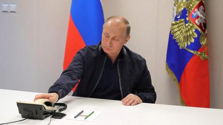 Vladimir Poutine lors d'un entretien téléphonique en 2017. Image d'illustration.